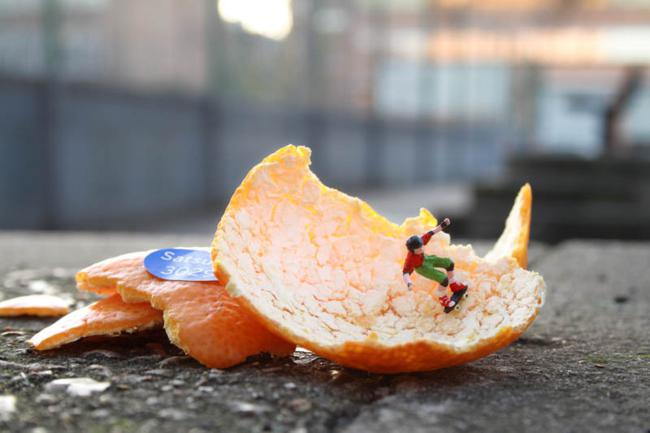 Street art of Slinkachu: Little People in the City