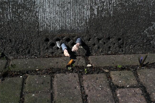 Street Art fron street artist Isaac Cordal Street