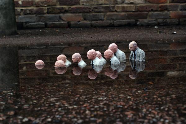 Isaac-Cordal-Street-Art-artist