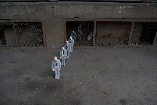 Isaac Cordal-street-art