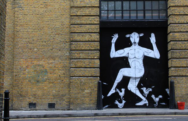 RUN-Dscreet-Foot-In-The-Door-Street-Art-London-6